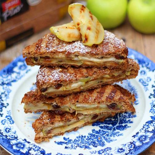 Apple pie toasties main